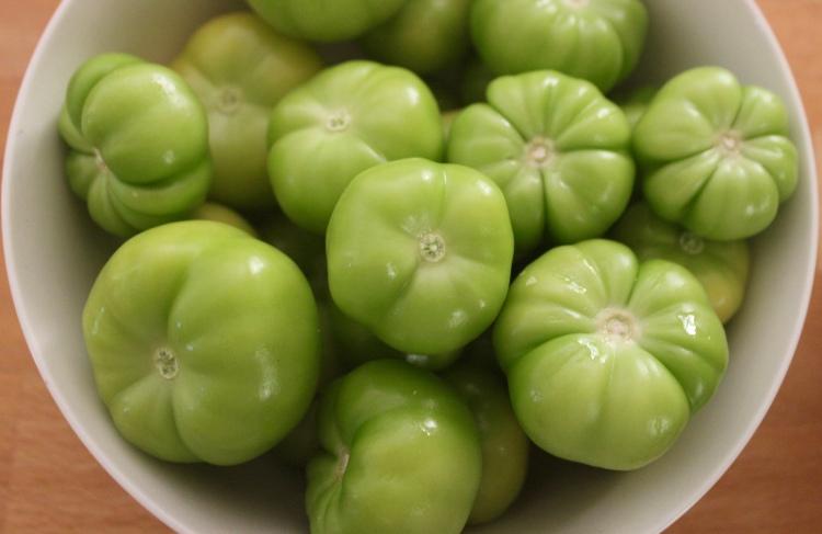 Tomato versus Tomatillo